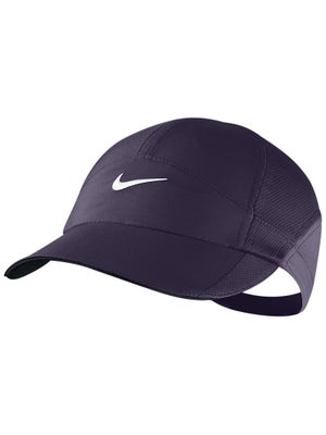 Nike Women's Winter Featherlight Hat