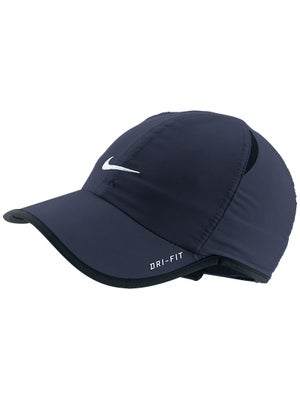 Nike Junior Basic Featherlight Hat II